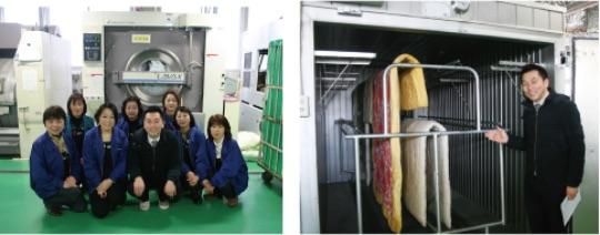 布団専用の丸洗い工場で水洗い!